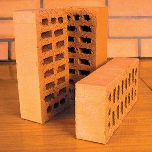 Сооружение кирпичных построек выгодно с финансовой стороны